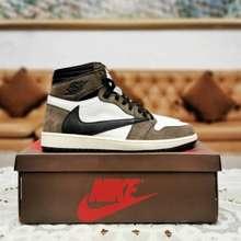 Nike Air Jordan 1 Travis Scott.