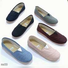 WAKAi fashion sepatu slip on model toms local bahan kanvas wanita 8371e51394