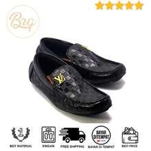 Louis Vuitton Sepatu Pria LV Casual Pria Loafer Slop Slip on Formal (LOKAL) 4a5c217ecc