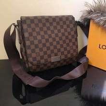 Louis Vuitton Mens Lv Messenger Bag