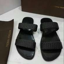 Bottega Veneta Sandal. Cowok Botega (size 42)