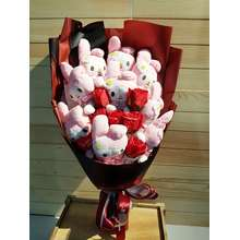 flower bouquet ✿READY STOCK✿In Malaysia Valentines Day 9pcs Rabbit Plush Toy Doll And Red Soap Roses With LED Bouquet/情人节花束