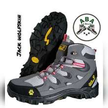 Jack Wolfskin Sepatu Gunung Hiking Pria Tracking Boots