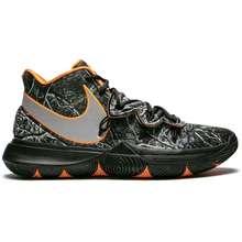 best sneakers 3a036 cfe1b Nike Kyrie 5 Sneakers